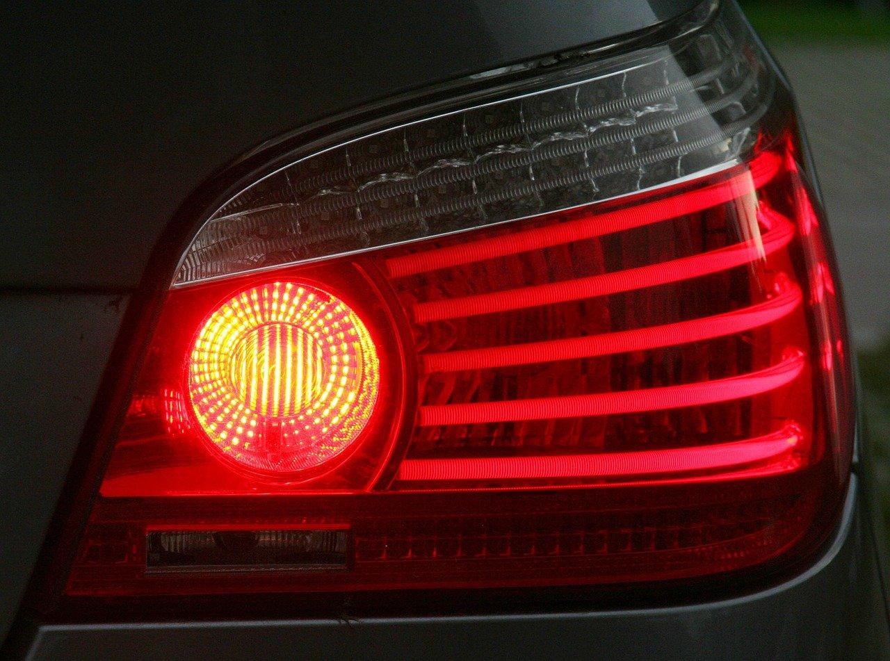 Pijany kierowca wpadł przez niesprawne oświetlenie - Zdjęcie główne