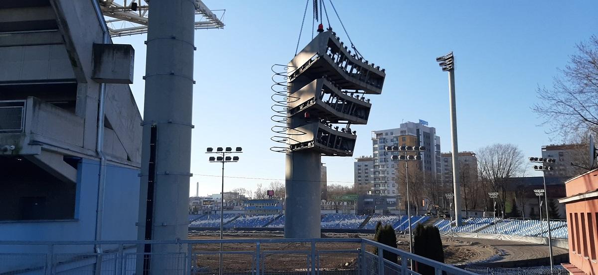 Ze Stadionu Miejskiego znikają jupitery. Ślad historii czy powiew PRL-u? [FOTO] - Zdjęcie główne