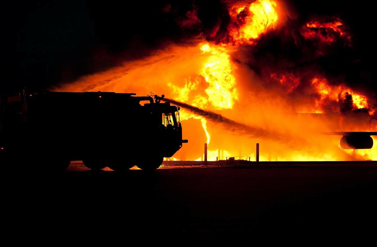 W tartaku wybuchł pożar! - Zdjęcie główne