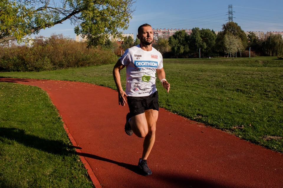 Rzeszowianin przebiegnie 600 km, aby pomóc dzieciom - Zdjęcie główne