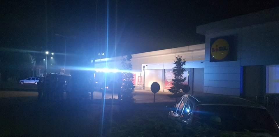 Ewakuacja sklepu w Mielcu! Dym tuż przy dachu! - Zdjęcie główne