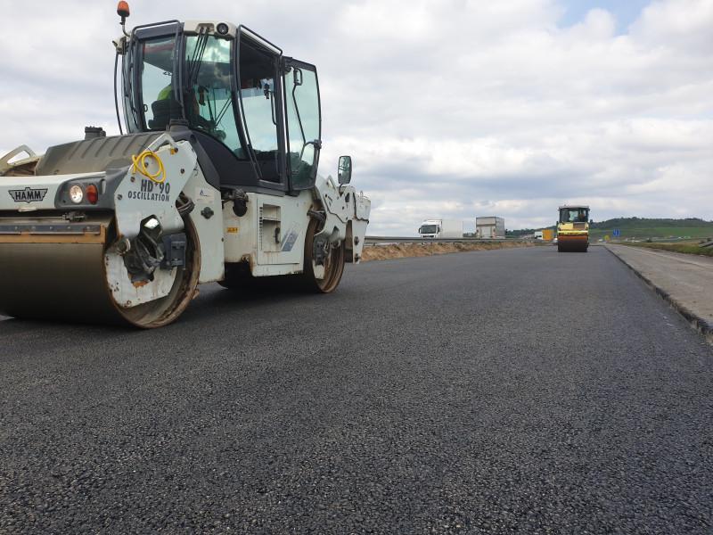 Buldożery na drogi! Ruszają remonty dróg wojewódzkich - Zdjęcie główne