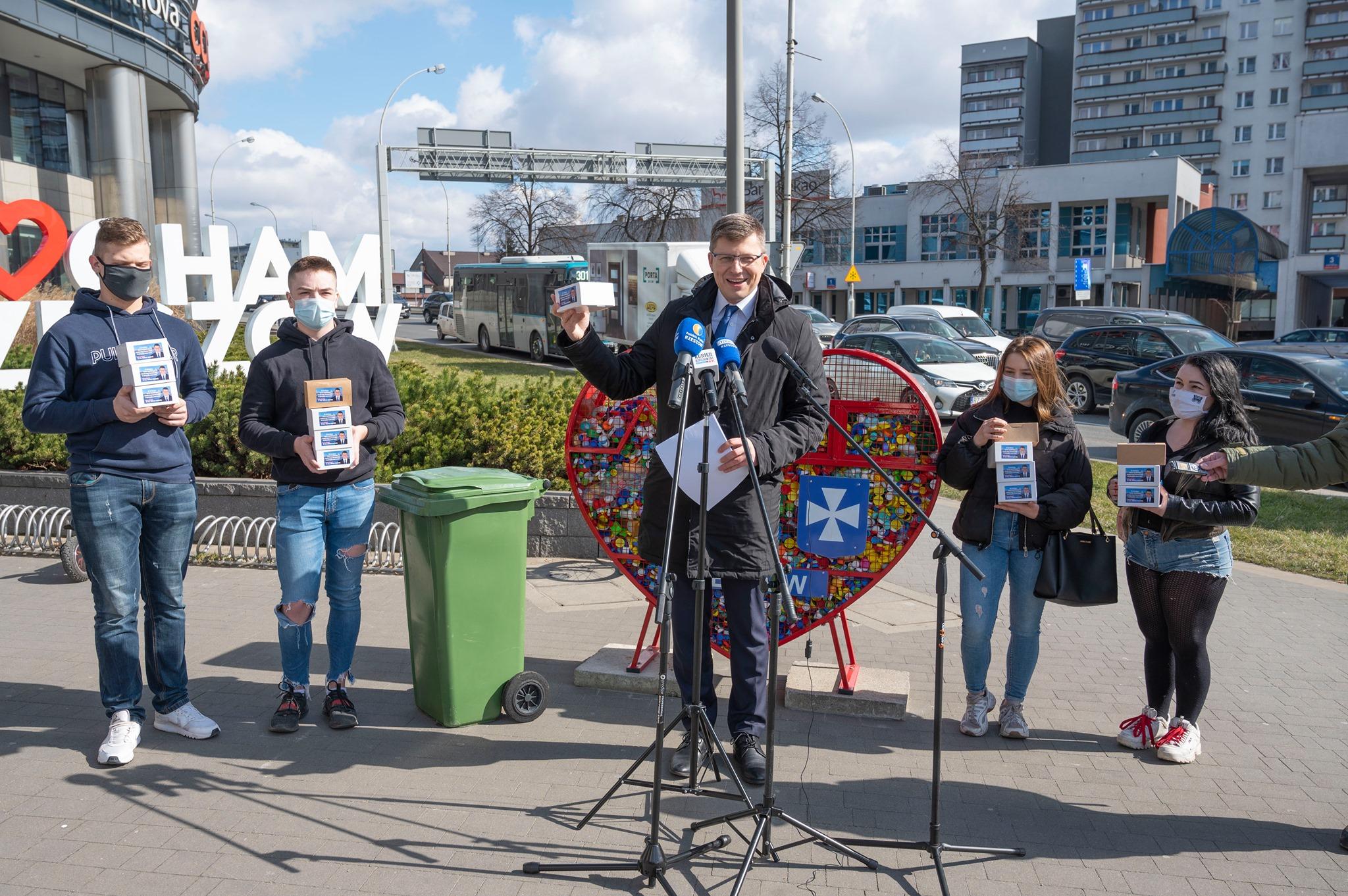 Marcin Warchoł promuje recykling i obiecuje budowę biogazowni - Zdjęcie główne