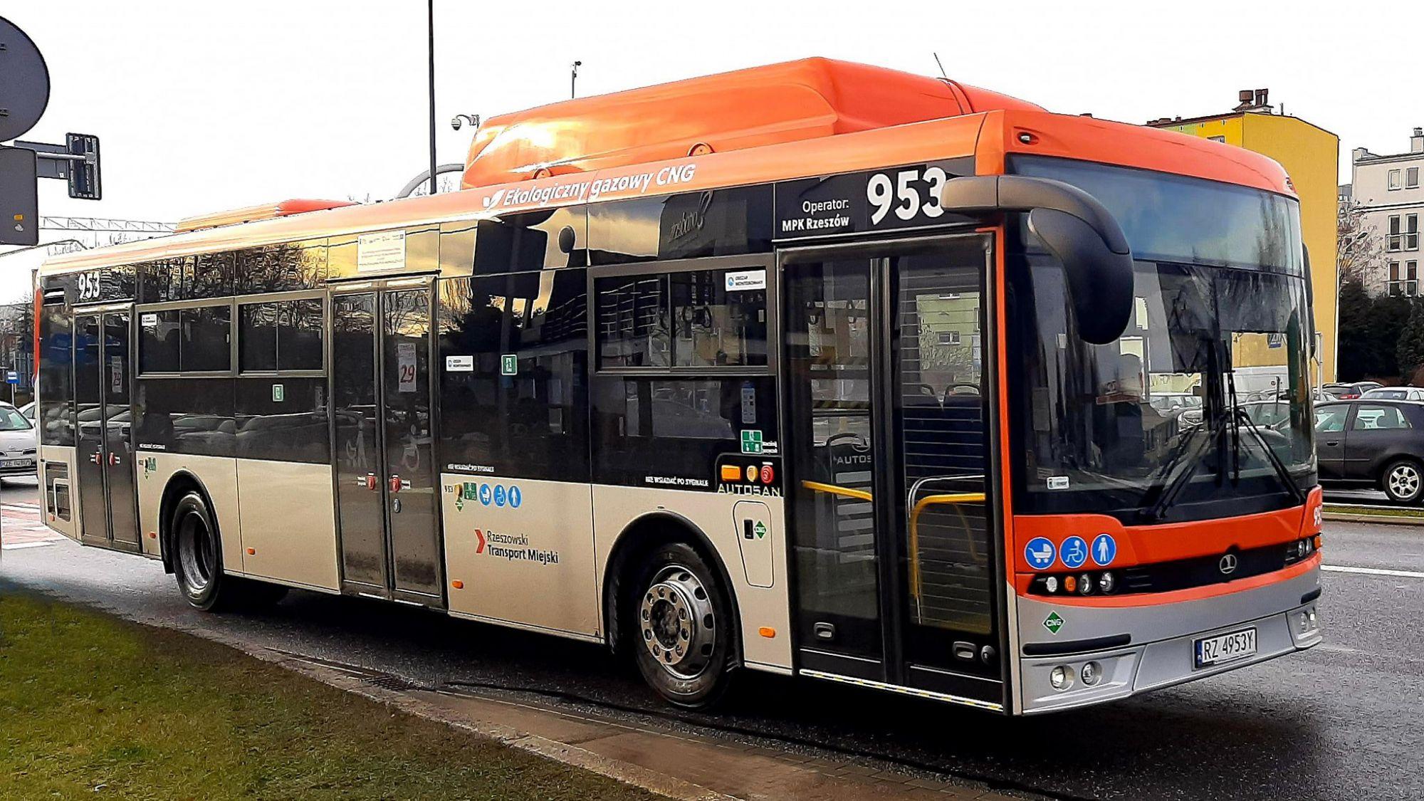 Nowe autobusy przyjechały do stolicy innowacji - Zdjęcie główne