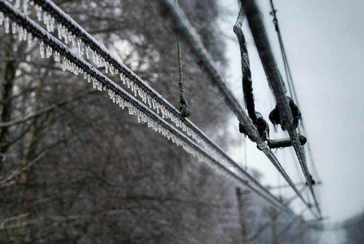Uszkodzona sieć trakcyjna! Połączenie kolejowe Podkarpacia ze stolicą kraju z problemami! [MAPA] - Zdjęcie główne