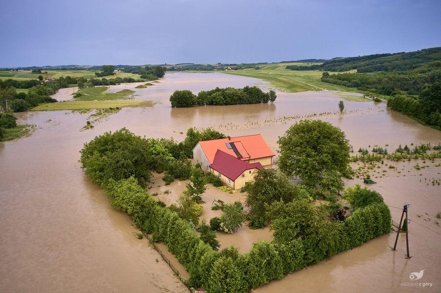 Rok po powodzi w gminie Jawornik Polski. Jak wygląda dziś życie mieszkańców? [ZDJĘCIA] - Zdjęcie główne