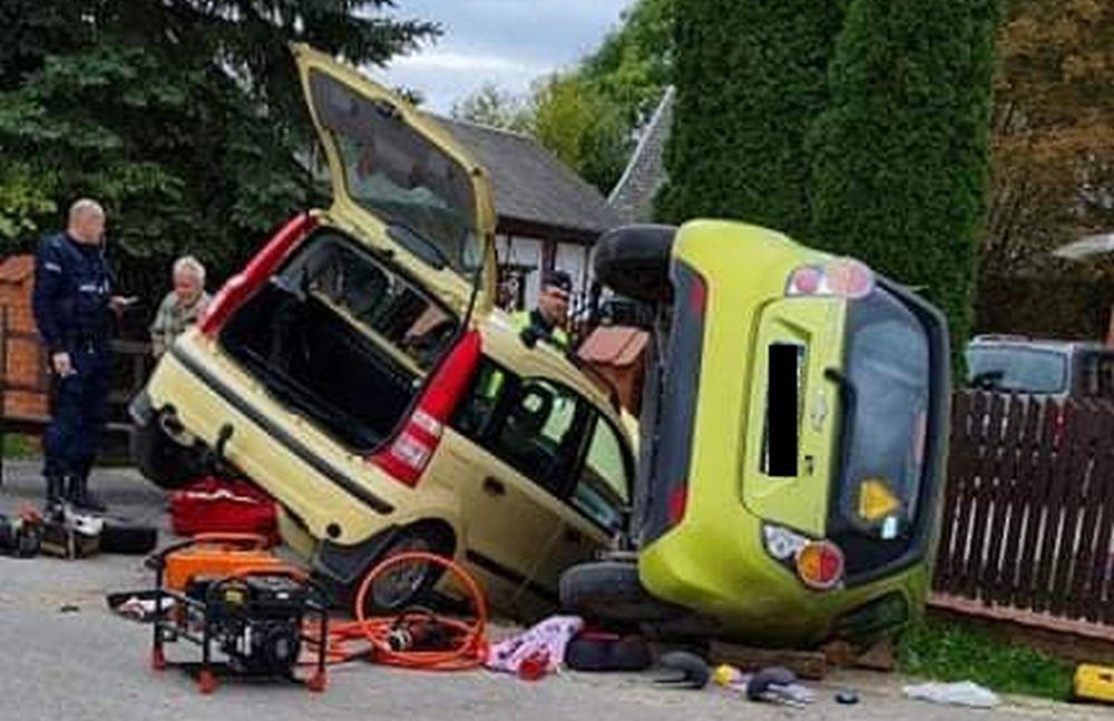 Groźnie wyglądający wypadek. Jedna osoba ranna [ZDJĘCIA] - Zdjęcie główne