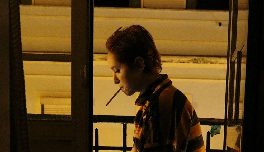 Ustawowy zakaz palenia papierosów na... balkonie! Wyraź swoją opinię [ANKIETA] - Zdjęcie główne