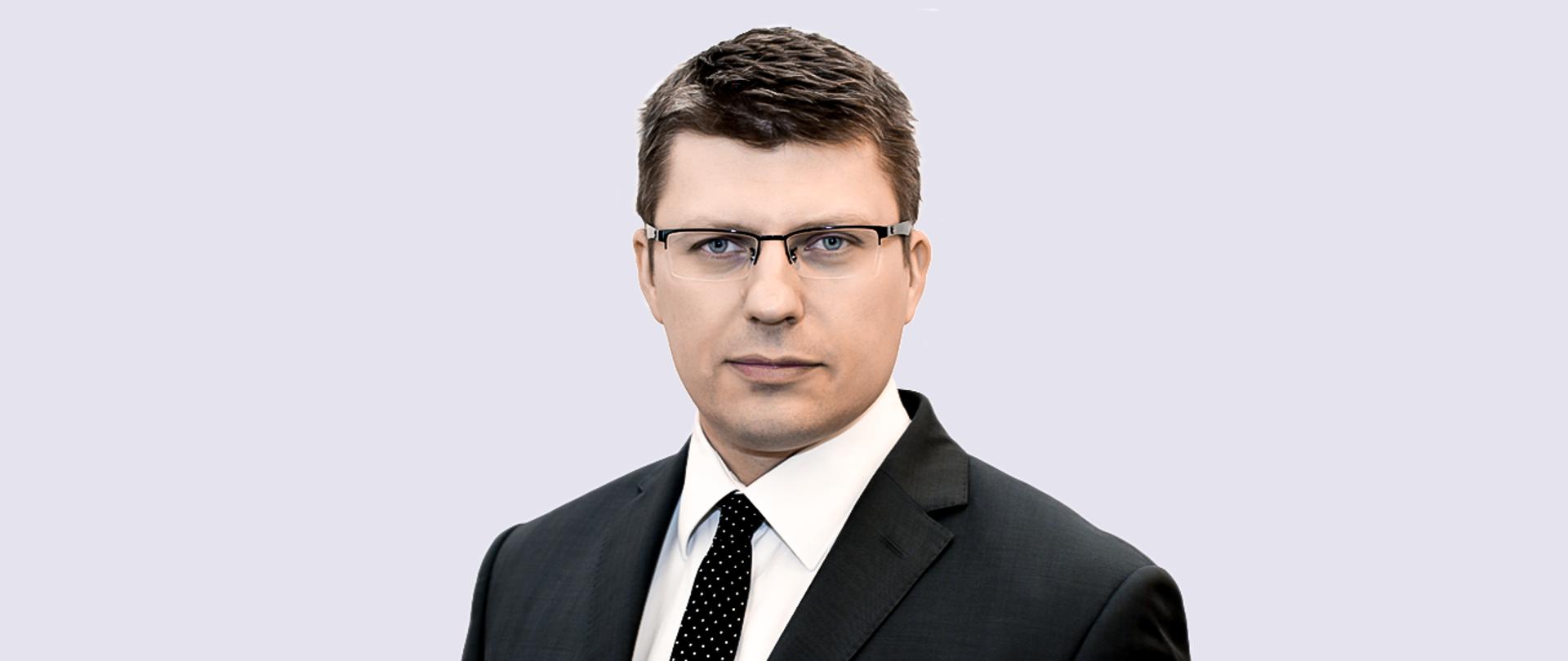 """Minister Marcin Warchoł był zakażony koronawirusem! """"Pomogła mi amantadyna"""" - Zdjęcie główne"""