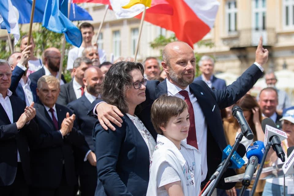 KONRAD FIJOŁEK wygrywa! Rzeszów ma nowego prezydenta [OFICJALNE WYNIKI] - Zdjęcie główne