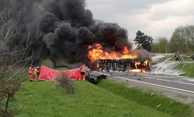 Zderzenie cysterny z samochodem osobowym koło Leżajska! Jedna osoba NIE ŻYJE! [AKTUALIZACJA, ZDJĘCIA, MAPA] - Zdjęcie główne