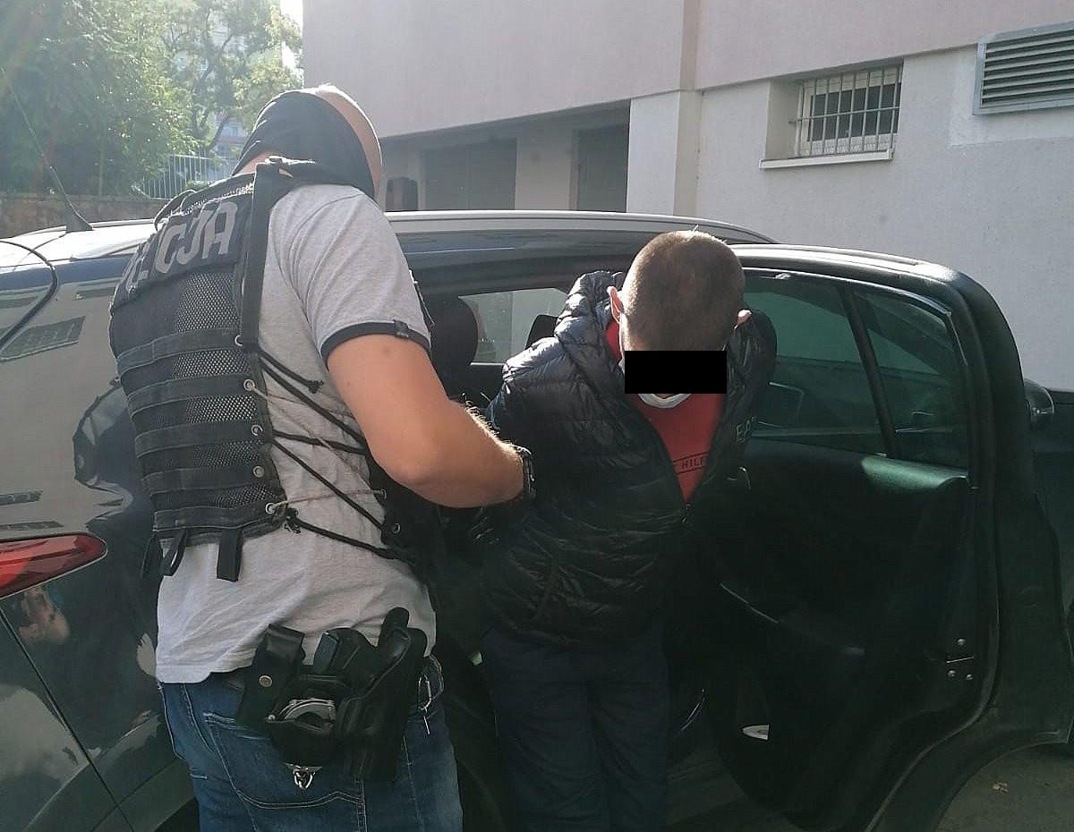 ZWYRODNIALEC zgwałcił nastolatka! Był zastraszany amstaffem! - Zdjęcie główne