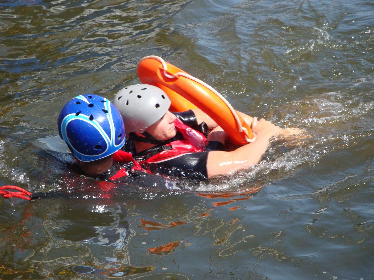 6-latka i jej ojciec w jeziorze! Doszło do tragedii! - Zdjęcie główne