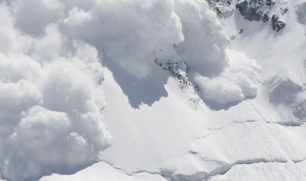 Z KRAJU: Lawina w Tatrach! Pod śniegiem byli ludzie! [AKTUALIZACJA] - Zdjęcie główne