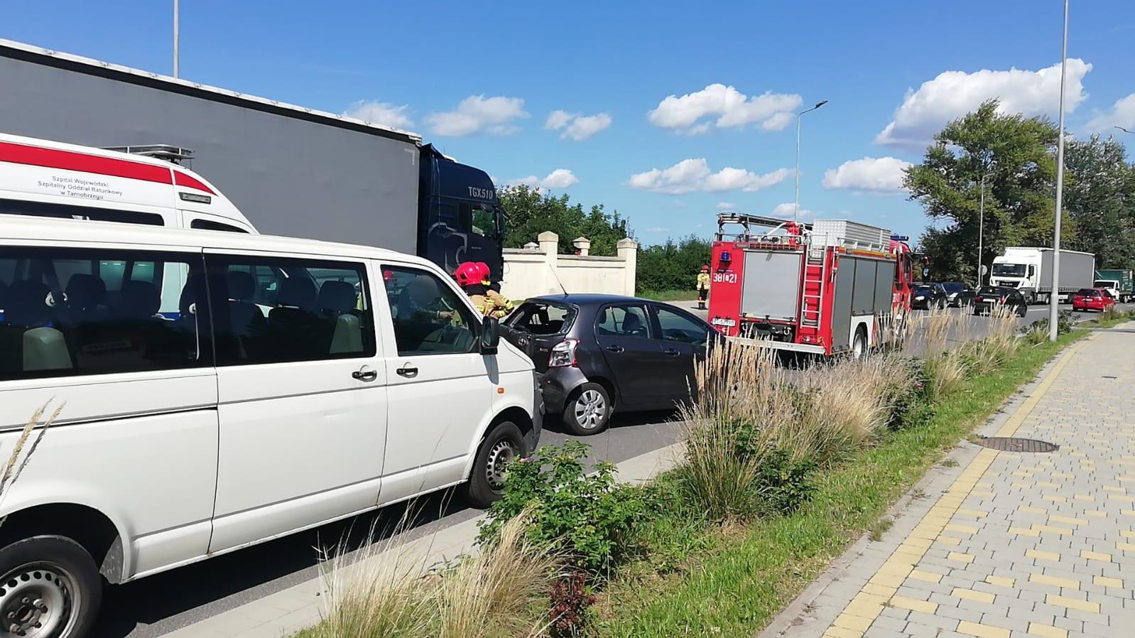 Zakorkowany Tarnobrzeg! Wypadek na ulicy Sikorskiego - Zdjęcie główne