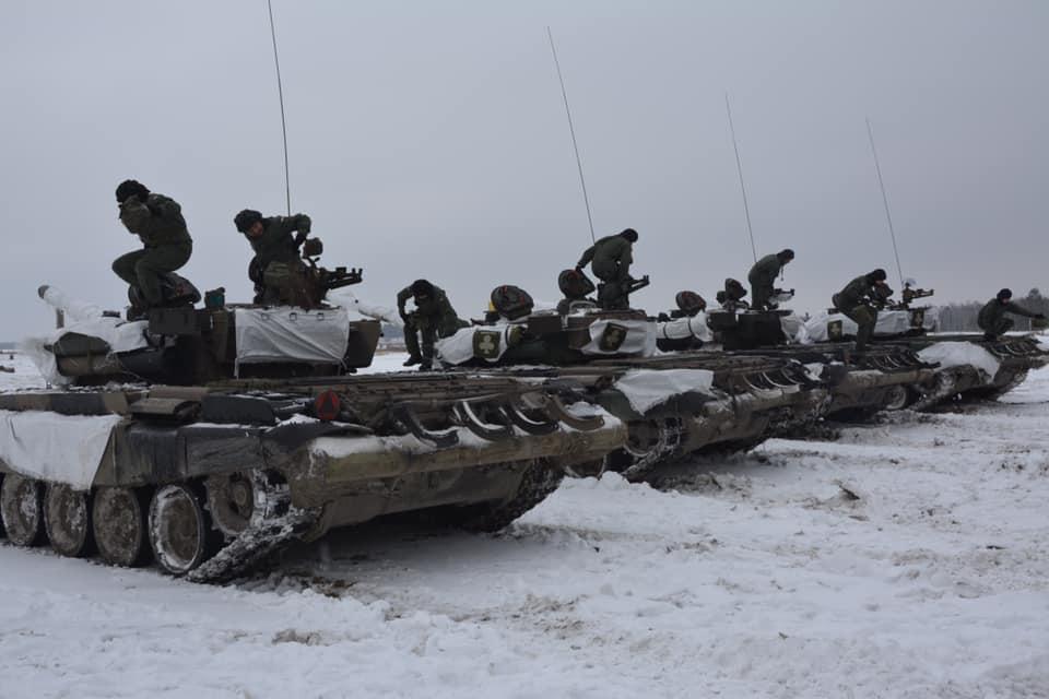 Wojskowi ćwiczą, a mieszkańcy Nowej Dęby i okolic muszą się przyzwyczaić do huku [ZDJĘCIA] - Zdjęcie główne