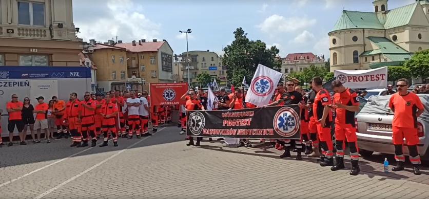 """""""Obiecują, obiecują i nic!"""" Protest ratowników medycznych! - Zdjęcie główne"""