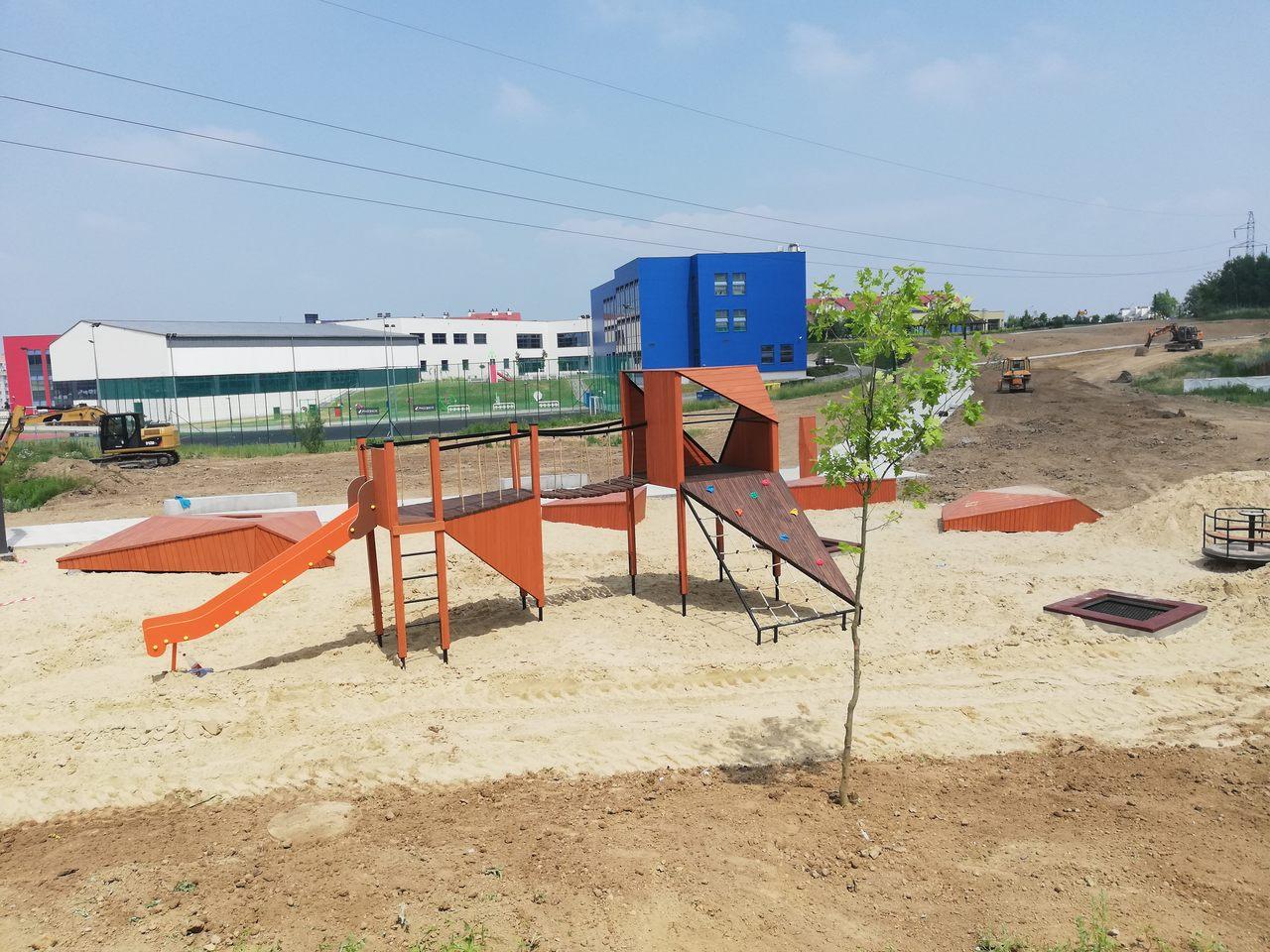 Na ul. bł. Karoliny kończy się budowa nowego parku! - Zdjęcie główne