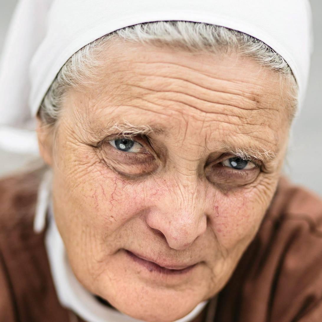"""S. Małgorzata Chmielewska: Bzdury w postaci """"Pan Bóg mnie w kościele uchroni"""" są kpiną z wiary - Zdjęcie główne"""