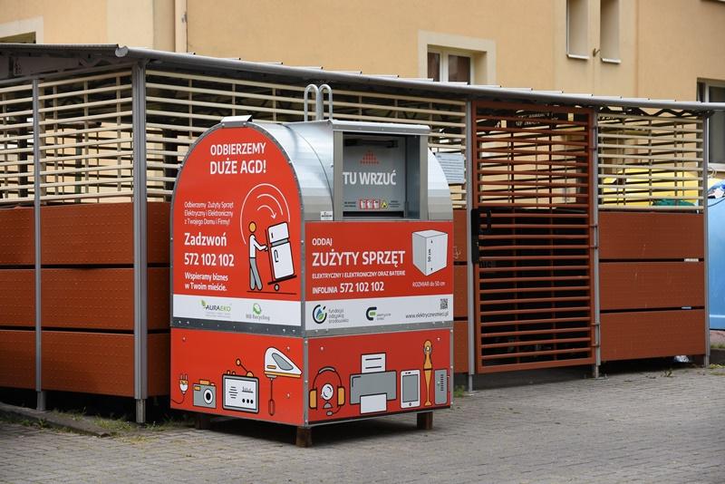 Rewolucja śmieciowa. Elektrośmieci oddasz do pojemników pod blokiem - Zdjęcie główne