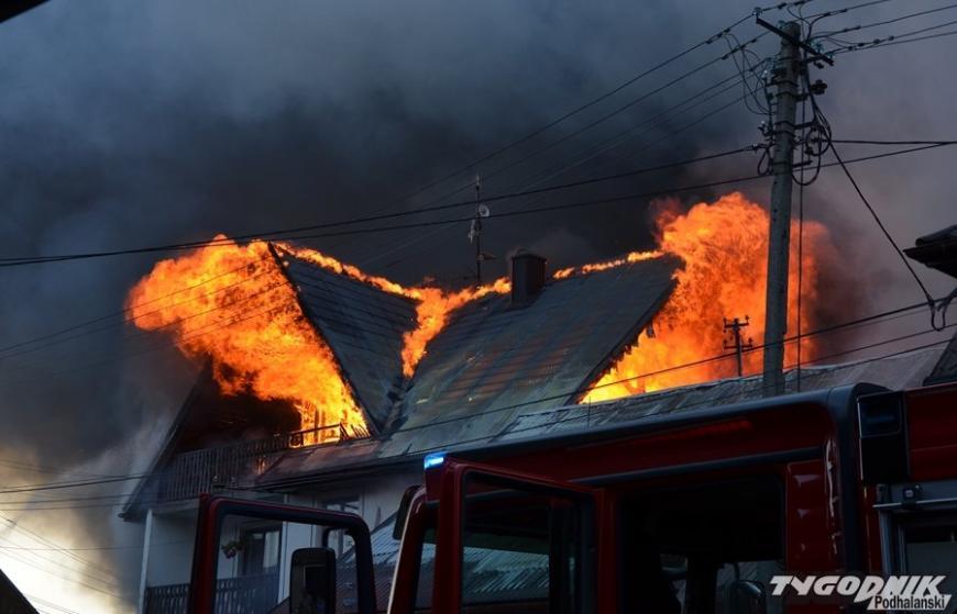 Potężny pożar! Płonęło 41 budynków. Są ranni! [ZDJĘCIA+WIDEO] - Zdjęcie główne