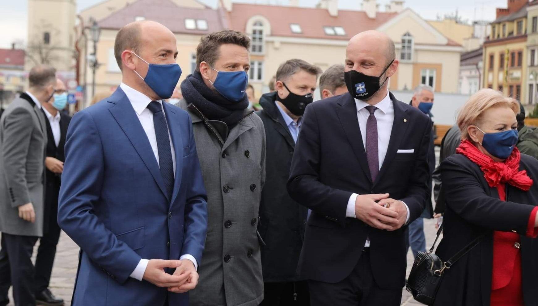 Borys Budka w Rzeszowie: - Przełożenie daty wyborów przez PiS świadczy o ich słabości [ZDJĘCIA, WIDEO] - Zdjęcie główne
