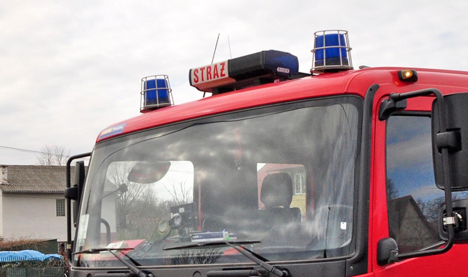 Pożar domu w Zboiskach. Strażacy uratowali mężczyznę - Zdjęcie główne
