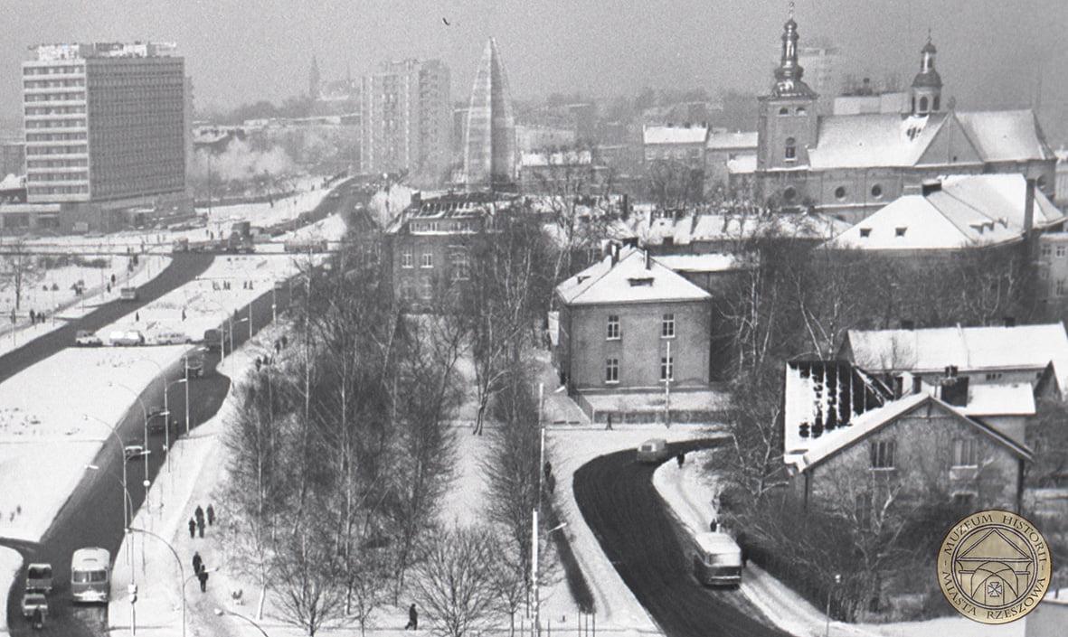 Rzeszów zasypany śniegiem - takie kiedyś były zimy [NOWE ZDJĘCIA] - Zdjęcie główne