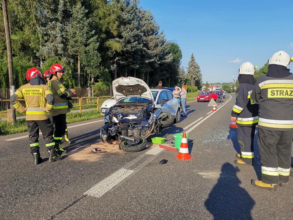 Dwa wypadki niedaleko Rzeszowa! Ranne zostały aż 4 osoby! [ZDJĘCIA] - Zdjęcie główne