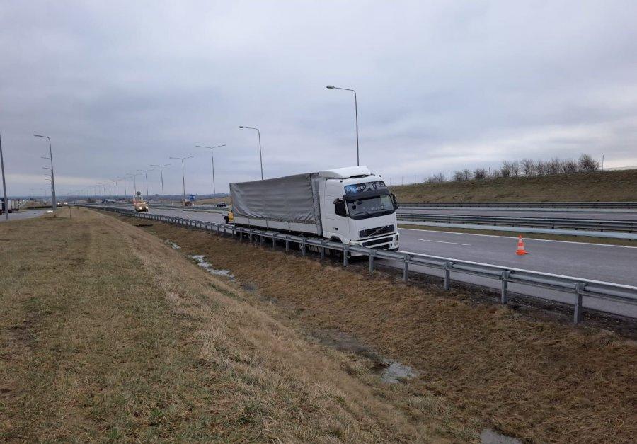 Zdarzenie na autostradzie A4. Kierowca tira był pijany - Zdjęcie główne