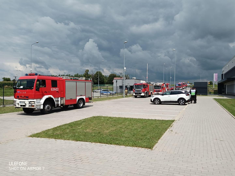 Wyciek kwasu w Safranie w Sędziszowie Małopolskim. Ewakuowano pracowników! [ZDJĘCIA] - Zdjęcie główne