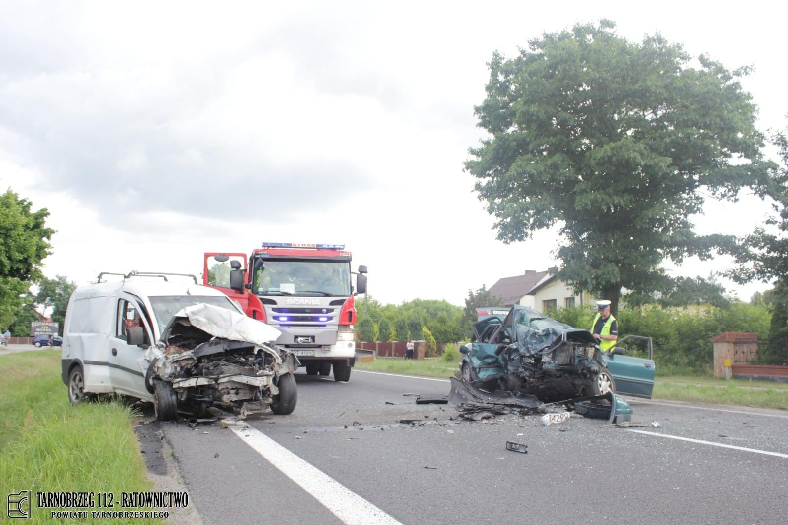 """Wsiadł pijany do auta i spowodował wypadek. Już wcześniej szalał za kierownicą """"na podwójnym gazie"""" i miał zabrane prawo jazdy! - Zdjęcie główne"""