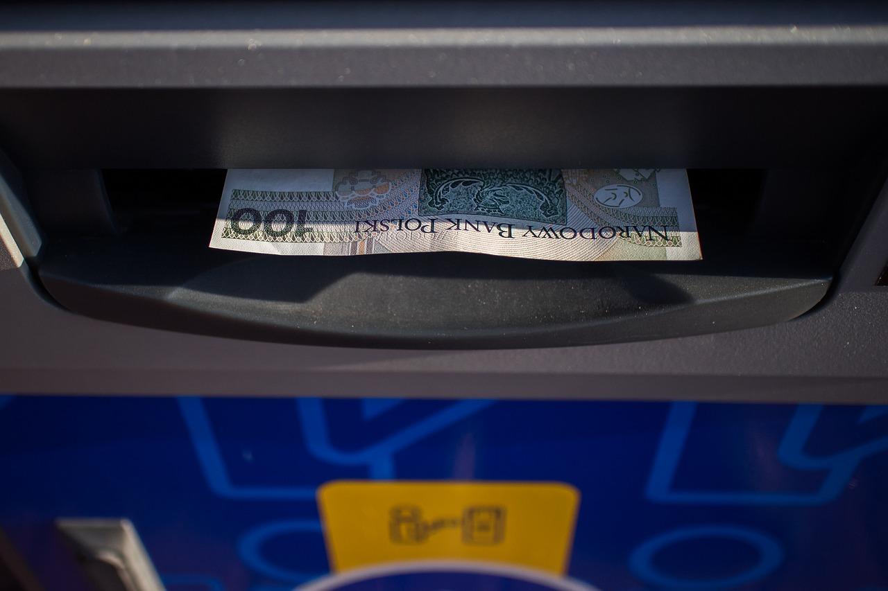 Bomba domowej roboty i wybuch w bankomacie! [ZDJĘCIA] - Zdjęcie główne