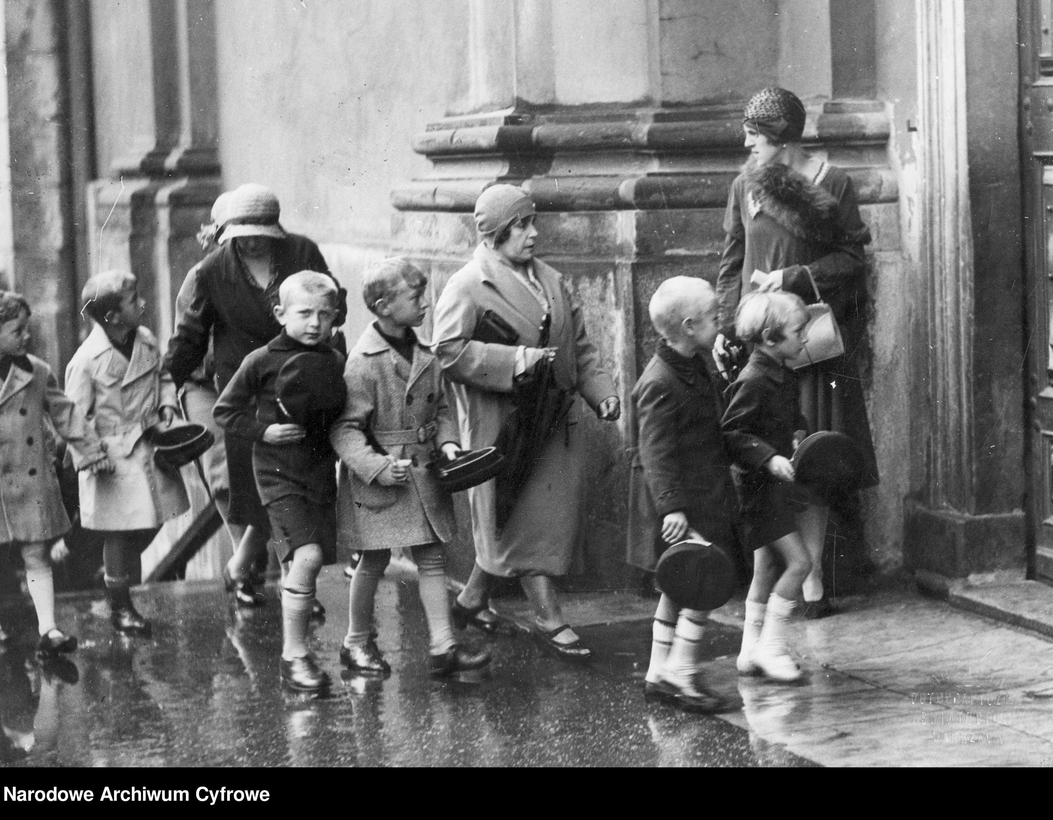 Początek ROKU SZKOLNEGO blisko 100 lat temu [ZDJĘCIA] - Zdjęcie główne