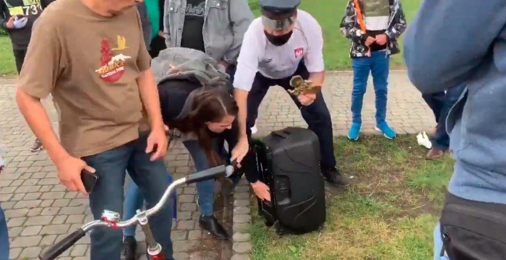 """TOP 3: Najczęściej czytane teksty 2020 roku - """"Przepychanki na wiecu Rafała Trzaskowskiego w Dębicy"""" - Zdjęcie główne"""