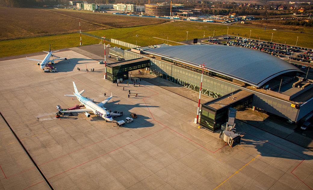 Lotnisko w Jasionce z nowymi kierunkami lotów - Zdjęcie główne