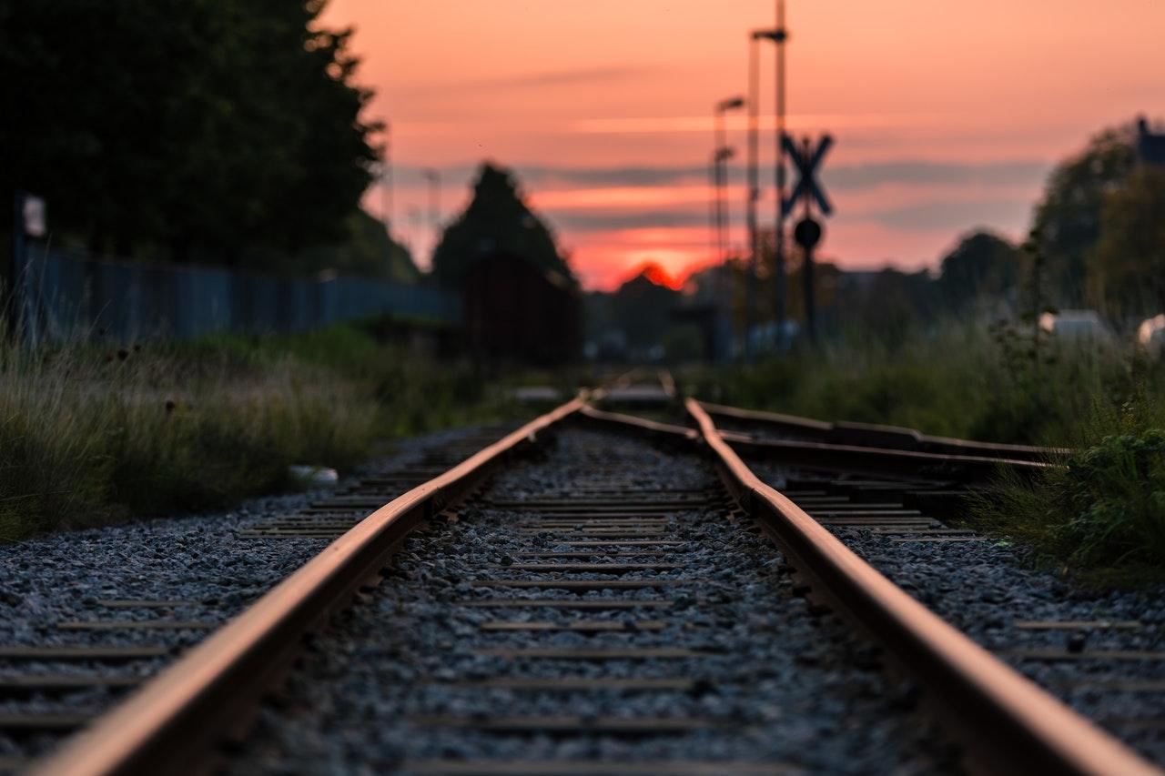 ŚMIERĆ na torach! Ofiara wtargnęła pod pociąg pospieszny! - Zdjęcie główne
