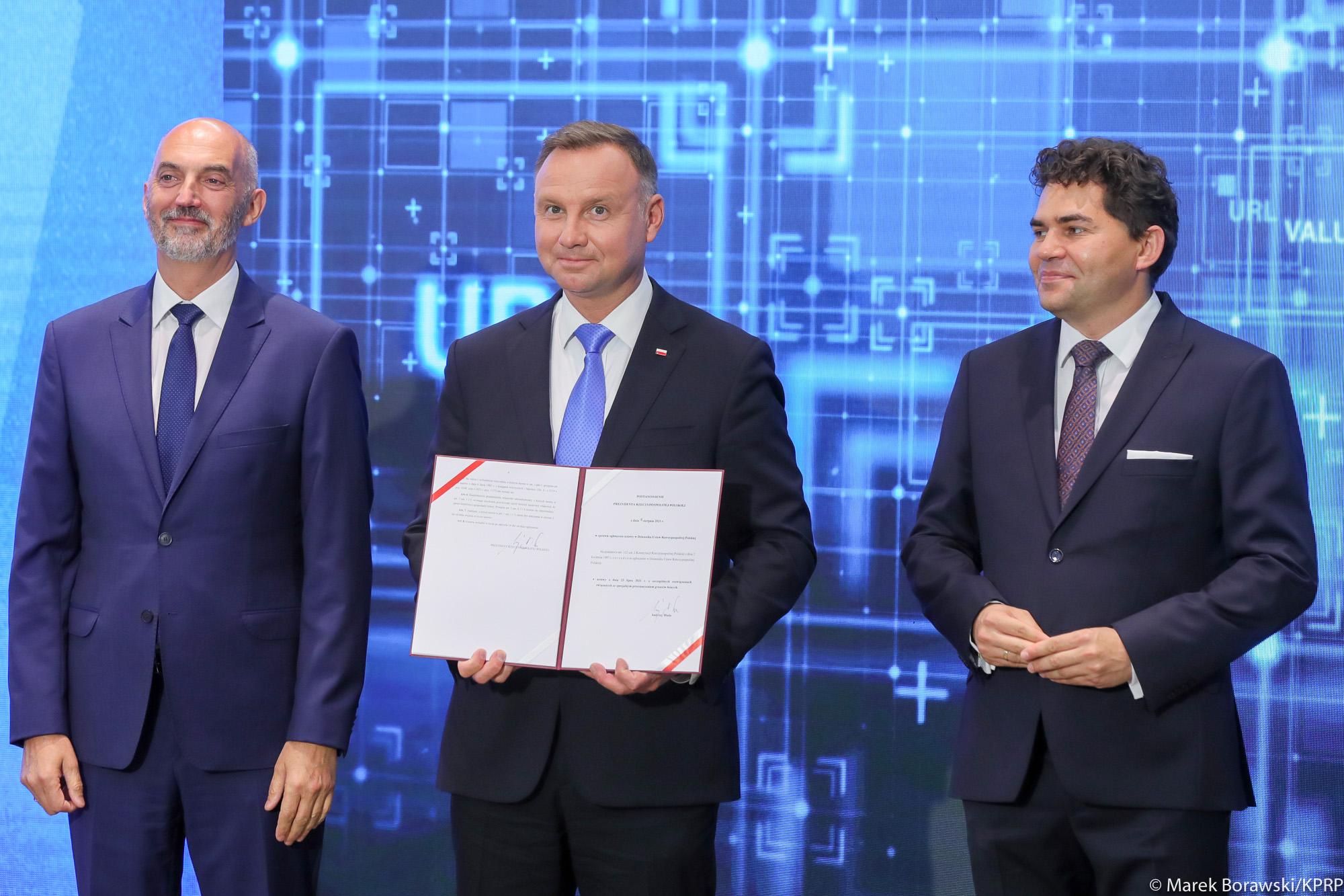 Prezydent Andrzej Duda w Stalowej Woli. Podpisał specustawę [ZDJĘCIA] - Zdjęcie główne