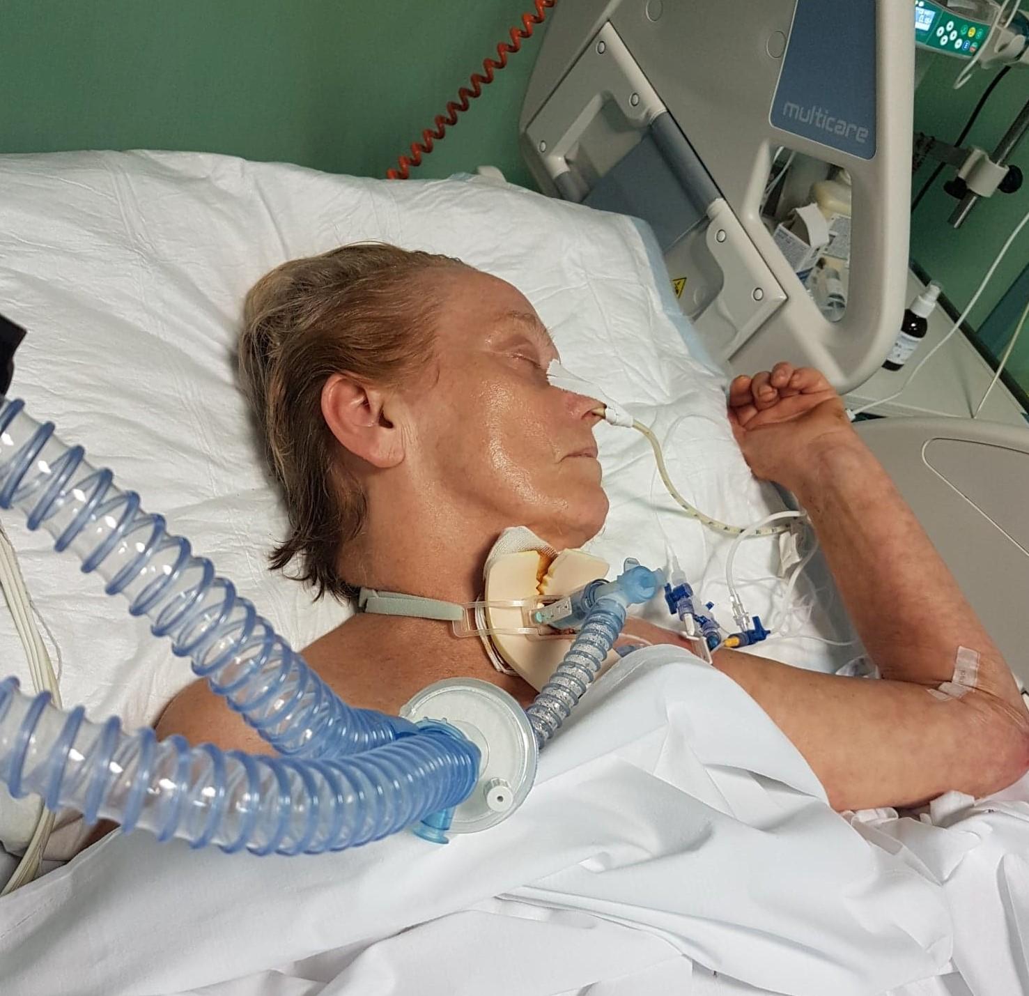 Włoscy lekarze i polski rząd odmówili jej pomocy. O życie matki walczyły córki! [ZDJĘCIA] - Zdjęcie główne
