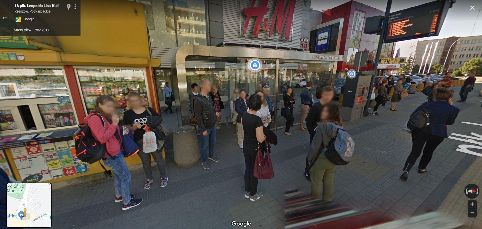 Taka moda na ulicach podkarpackich miast. Codzienne stylizacje na zdjęciach Google Street View [DUŻO ZDJĘĆ] - Zdjęcie główne
