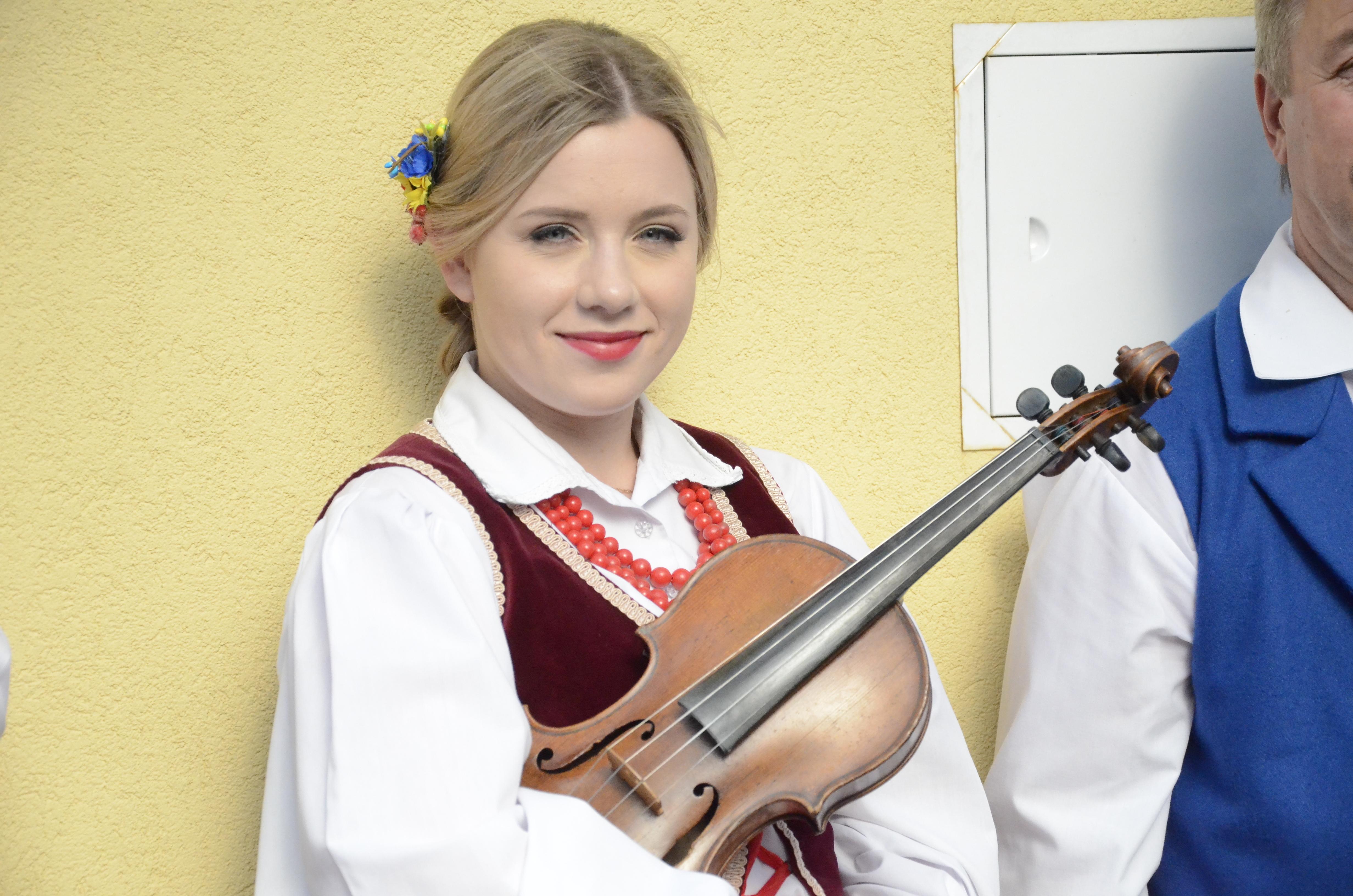 Strun dwanaście i trzy smyki - folklorystyczne występy w MDK w Kolbuszowej [WIDEO] - Zdjęcie główne