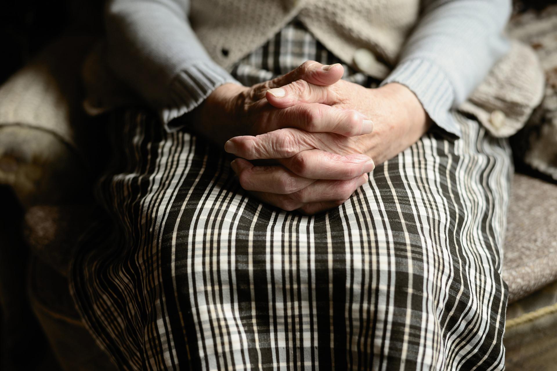 Z PODKARPACIA: Zrobiły seniorce masaż za ponad 40 tysięcy złotych  - Zdjęcie główne