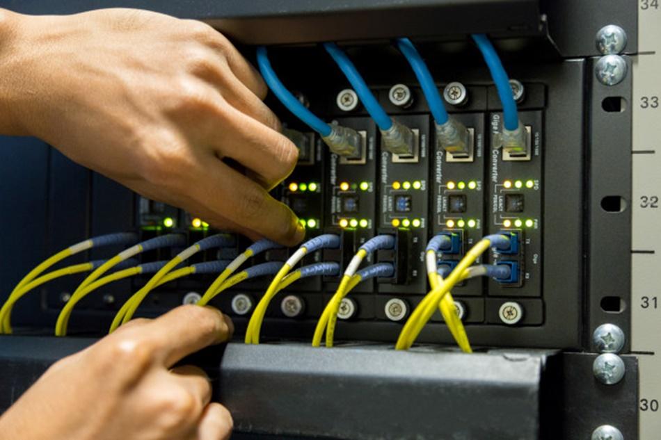 Internet światłowodowy w gminie. Firma VoiceNet odpowiada  - Zdjęcie główne