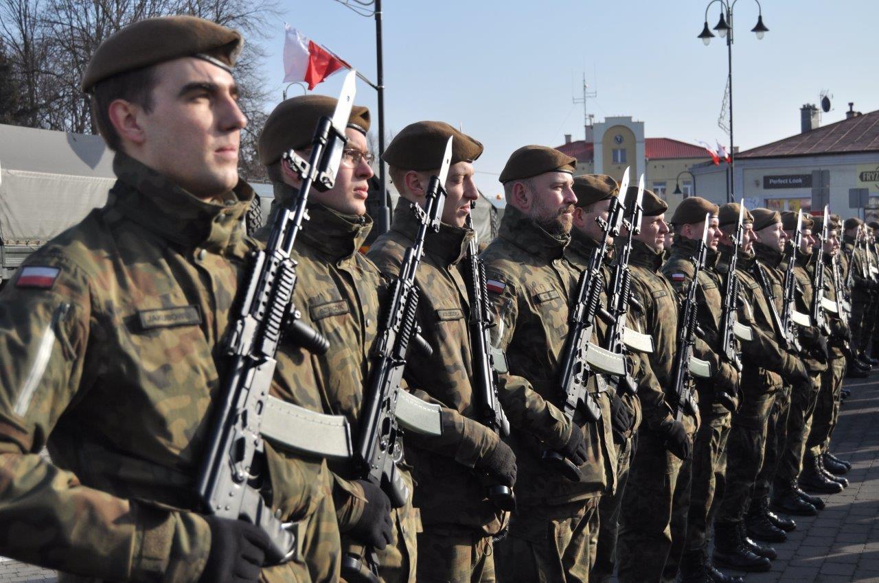 """Przysięga """"Terytorialsów"""" w Kolbuszowej. Zobacz zdjęcia z wydarzenia  - Zdjęcie główne"""
