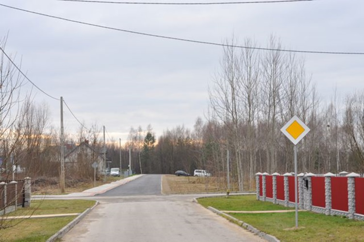 Majdan Królewski wyremontował 7 dróg. Inwestycje pochłonęły ponad 2 miliony  - Zdjęcie główne