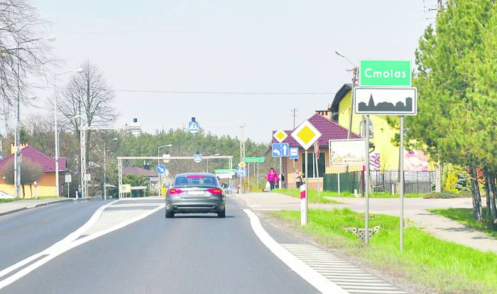 Żaden z wariantów obwodnicy nie uwzględnia centrum Cmolasu - Zdjęcie główne