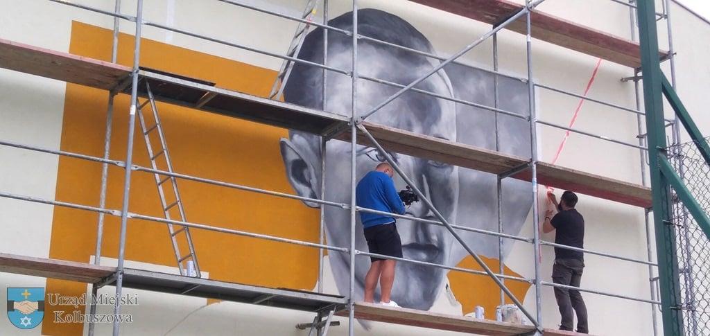 Na budynku szkoły w Weryni powstaje mural [ZDJĘCIA] - Zdjęcie główne