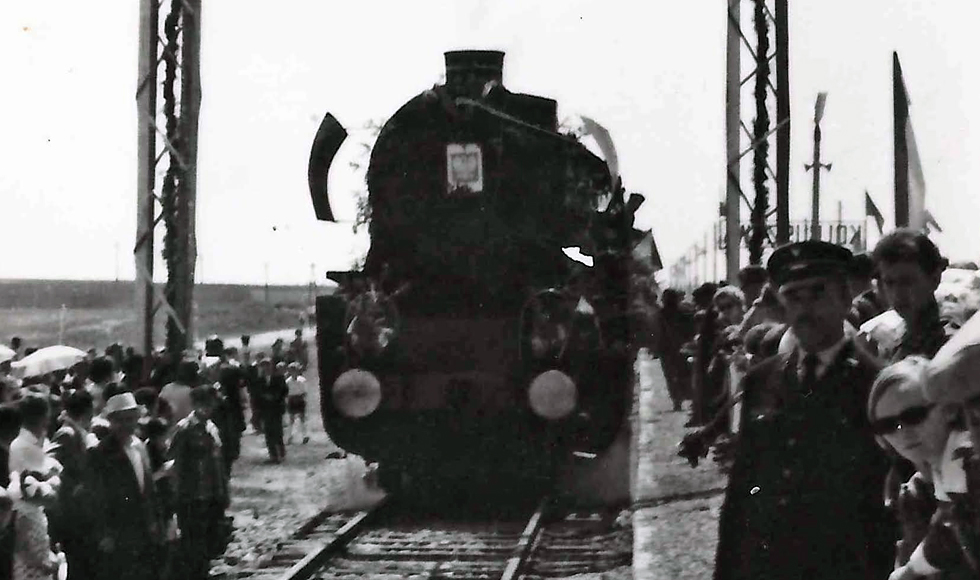 Pierwszy pociąg z Nowej Dęby wjechał do Kolbuszowej [FOTO] - Zdjęcie główne
