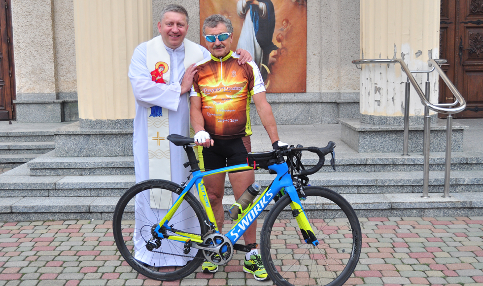 Kolbuszowa. Stanisław Frankiewicz, pasjonat rowerowych pielgrzymek, wyruszył w kolejną podróż rowerową. Tym razem odwiedzi Monte Cassino - Zdjęcie główne