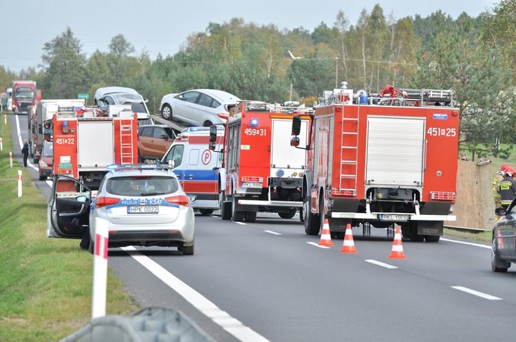 Wypadek na drodze krajowej między Cmolasem na Hadykówką [FOTO, VIDEO, MAPA] - Zdjęcie główne